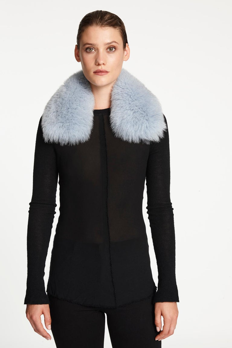 Verheyen London Peter Pan Collar in Iced Blue Fox Fur  In New Condition For Sale In London, GB