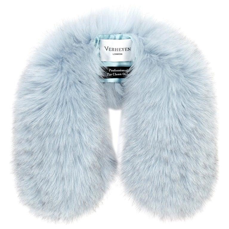 Verheyen London Peter Pan Collar in Iced Blue Fox Fur & lined in silk  For Sale