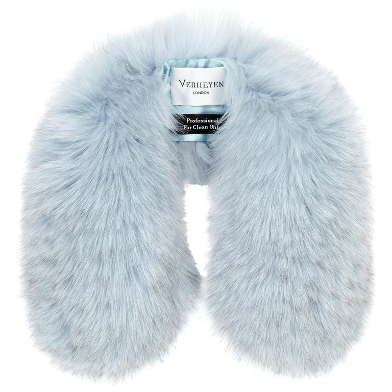 Verheyen London Peter Pan Collar in Iced Blue Fox Fur & lined in silk  For Sale