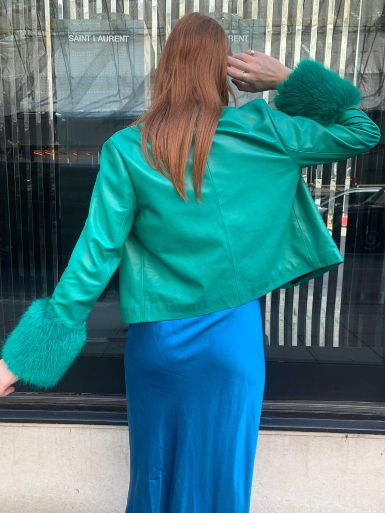 Verheyen Vita Cropped Jacket in Emerald Green Leather with Faux Fur - Size uk 12 In New Condition For Sale In London, GB