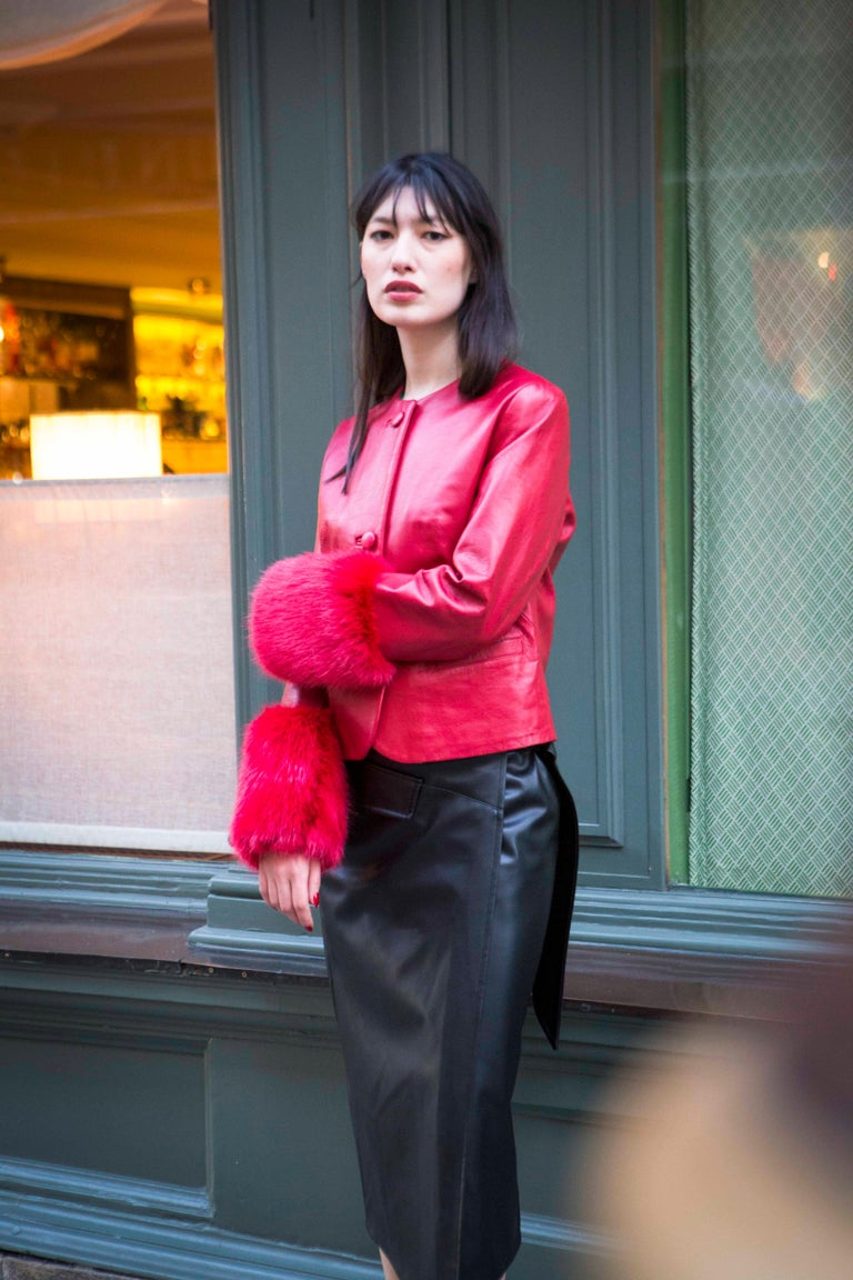 Verheyen Vita Cropped Jacket in Red Leather with Faux Fur - Size uk 10 In New Condition For Sale In London, GB