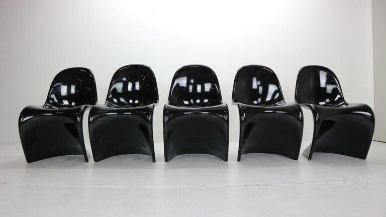 Swiss Verner Panton Set of 5 Black Gloss Fiberglass Chairs