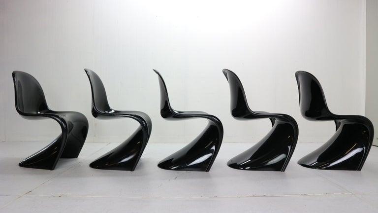 Verner Panton Set of 5 Black Gloss Fiberglass Chairs