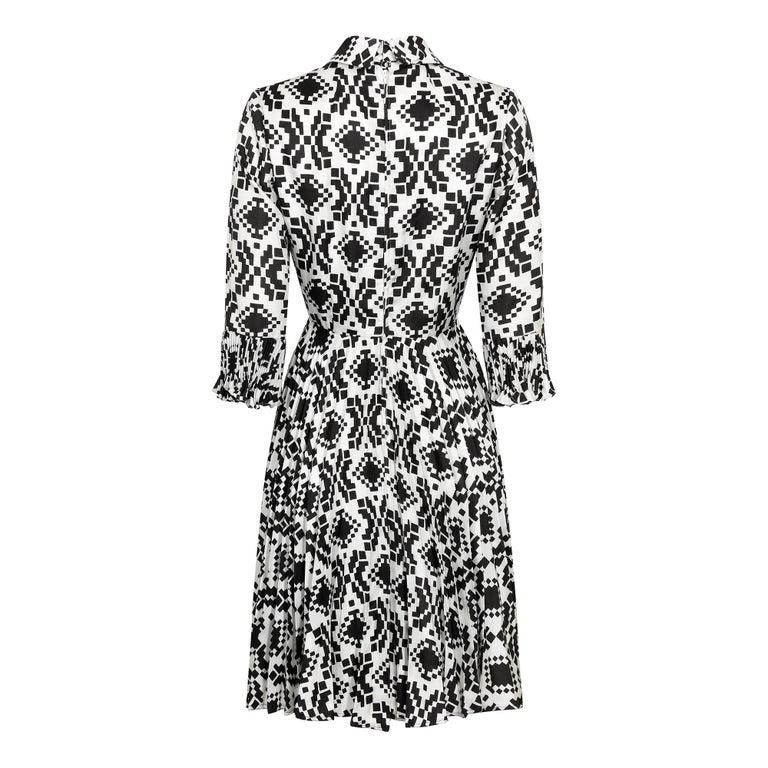 Black Veronica at Rembrandt Vintage 1960s Geometric Print Monochrome Dress For Sale