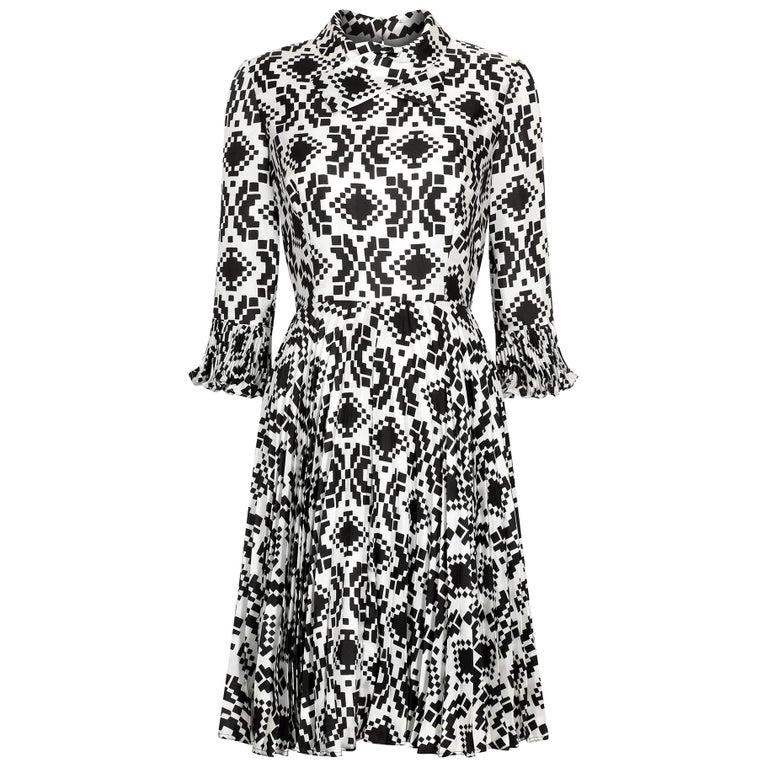 Veronica at Rembrandt Vintage 1960s Geometric Print Monochrome Dress For Sale