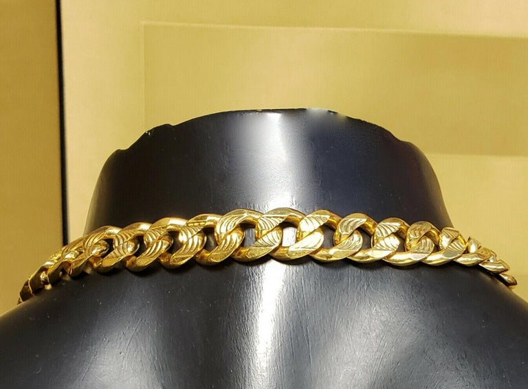 VERSACE 24K GOLD PLATED MEDUSA NECKLACE as seen on BRENNEN For Sale 2