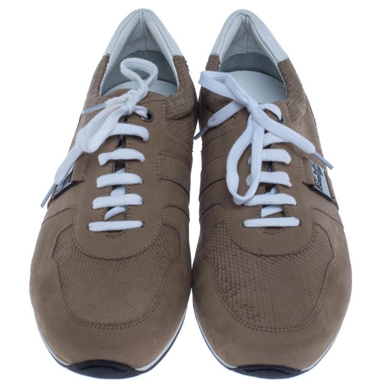Versace Beige Nubuck Leather Lace Up Sneakers Size 44 In New Condition For Sale In Dubai, Al Qouz 2