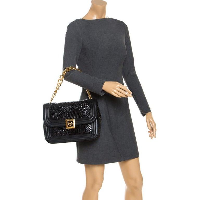 Versace Black Leather and Patent Leather Chain Flap Shoulder Bag In Excellent Condition For Sale In Dubai, Al Qouz 2