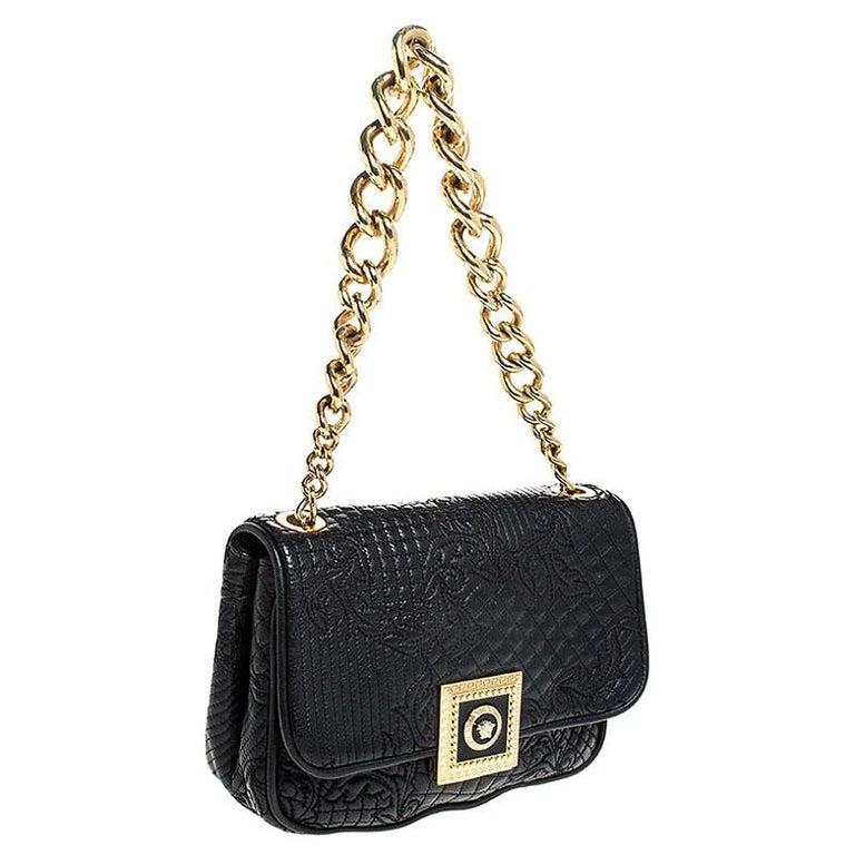 Versace Black Leather Chain Flap Shoulder Bag In Good Condition For Sale In Dubai, Al Qouz 2
