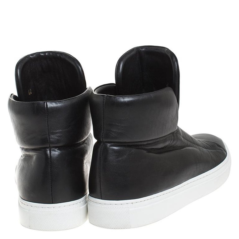 Versace Black Leather Palazzo Medusa High Top Sneakers Size 42 In Good Condition For Sale In Dubai, Al Qouz 2