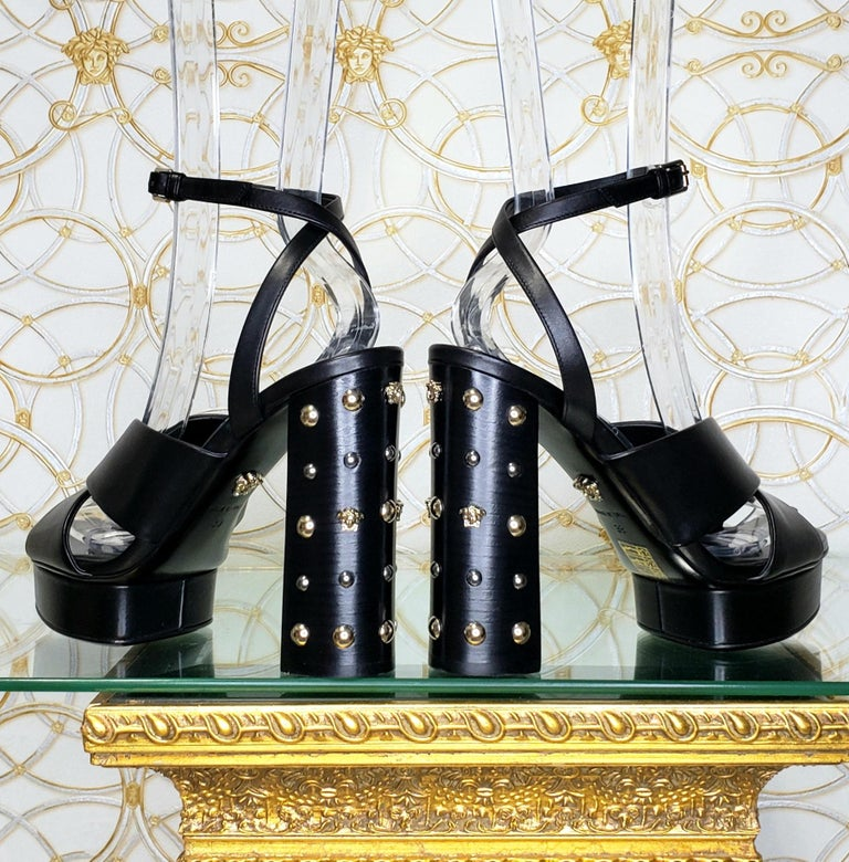 VERSACE BLACK LEATHER SANDALS SHOES with GOLD MEDUSA STUDS 36.5, 37, 38, 39, 40 In New Condition For Sale In Montgomery, TX