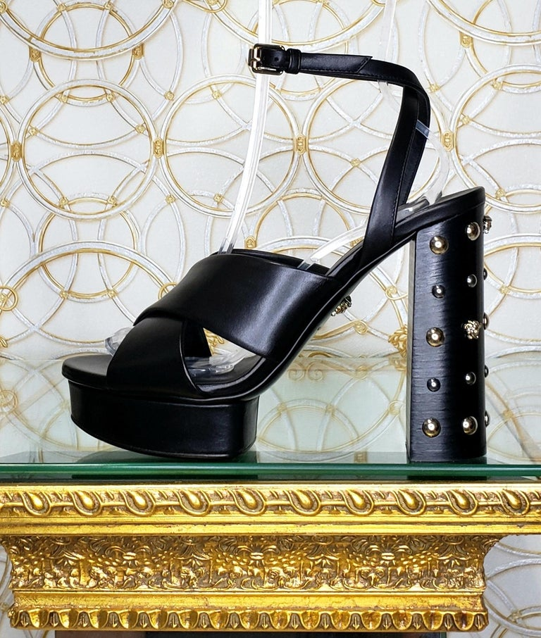 VERSACE BLACK LEATHER SANDALS SHOES with GOLD MEDUSA STUDS 36.5, 37, 38, 39, 40 For Sale 4