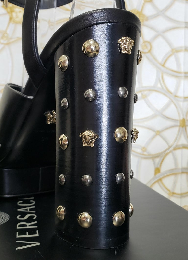 VERSACE BLACK LEATHER SANDALS SHOES with GOLD MEDUSA STUDS 36.5, 37, 38, 39, 40 For Sale 5