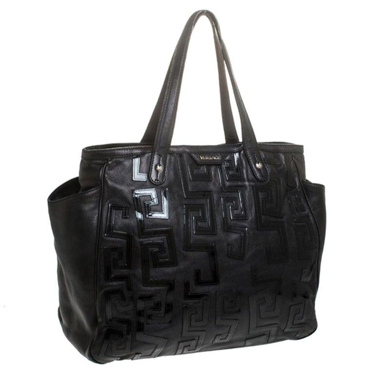 Women's Versace Black Leather Shopper Tote For Sale