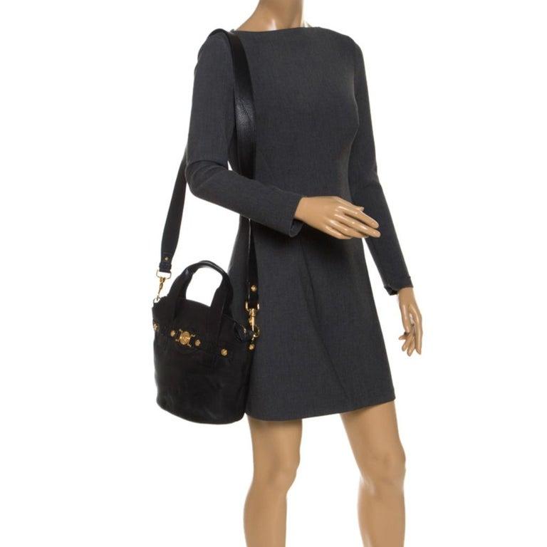 Versace Black Leather Shoulder Bag In Excellent Condition For Sale In Dubai, Al Qouz 2