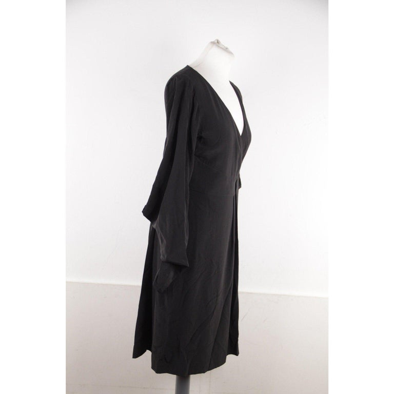 VERSACE Black Pure Silk WRAP DRESS w/ Blouson Sleeves SIZE 40 In Excellent Condition For Sale In Rome, Rome