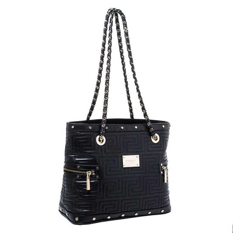 Versace Black Quilted Leather Sided Zip Tote In Good Condition For Sale In Dubai, Al Qouz 2