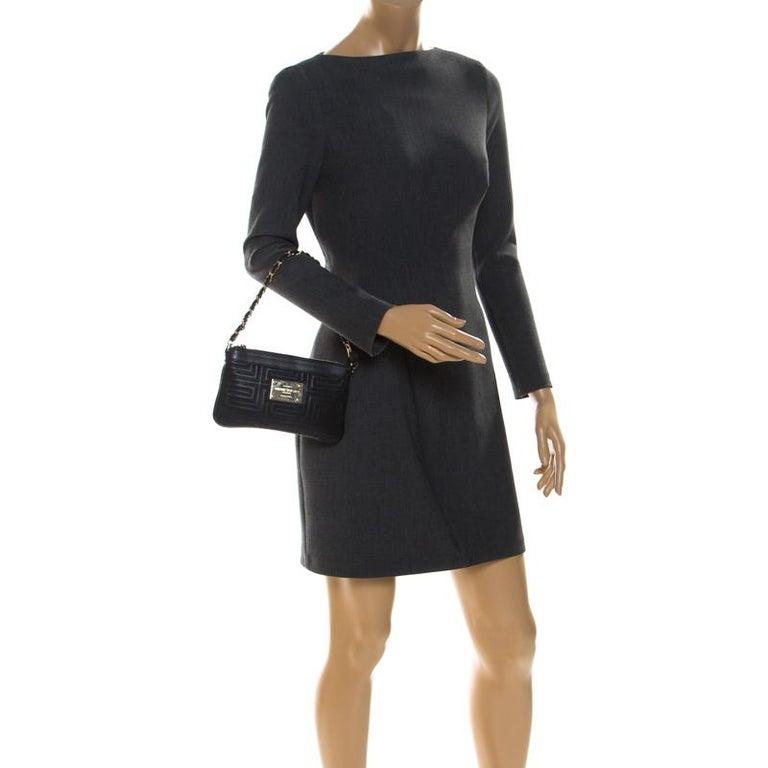 Versace Black Quilted Zip Clutch In Good Condition For Sale In Dubai, Al Qouz 2