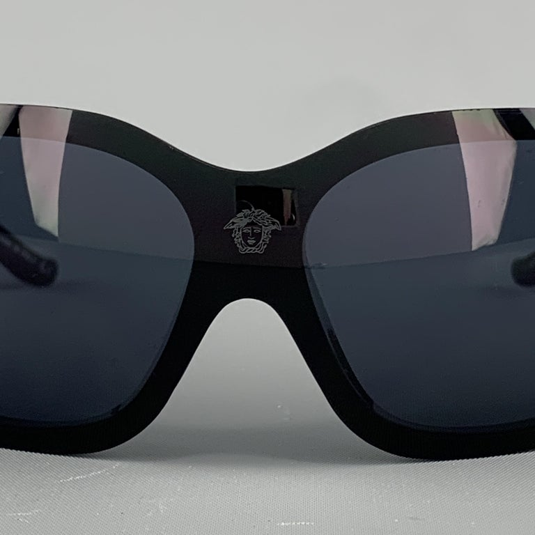 VERSACE Black & Red Coral Reef Sheild Sunglasses In Good Condition For Sale In San Francisco, CA