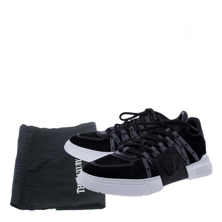 Versace Black Suede Leather And Rubber Medusa Lace Up Sneakers Size 42.5 For Sale 4