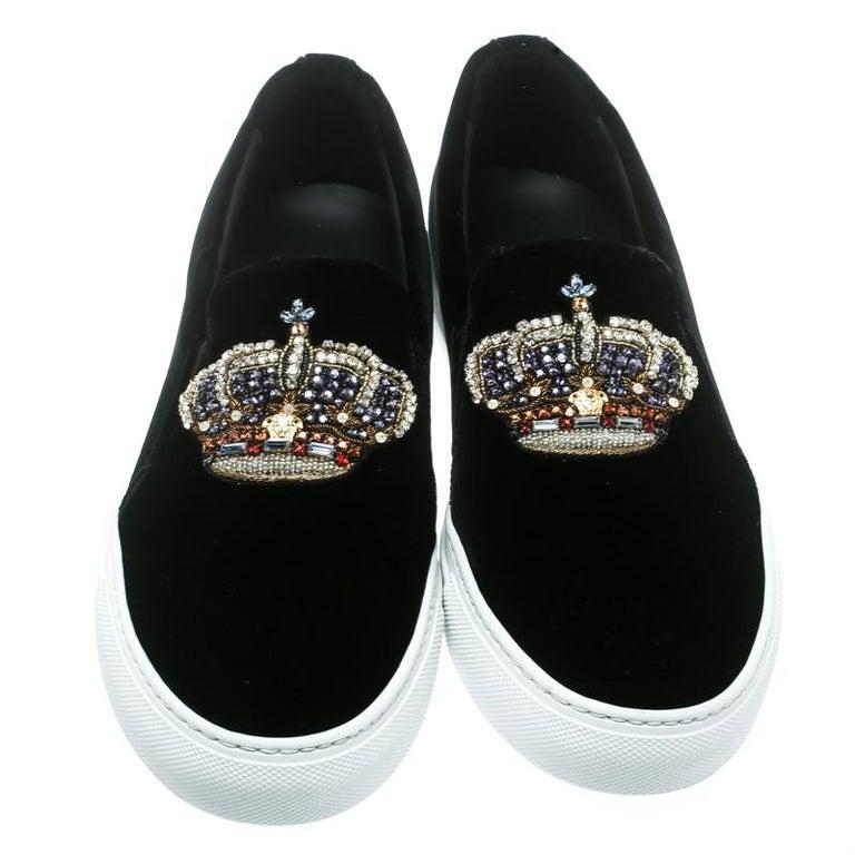 Versace Black Velvet Crystal Embellished Corona Slip On Sneakers Size 40 In New Condition In Dubai, Al Qouz 2