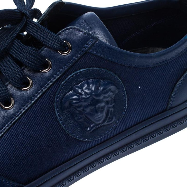 Versace Blue Canvas and Leather Medusa Head Low Top Sneakers Size 43.5 For Sale 2