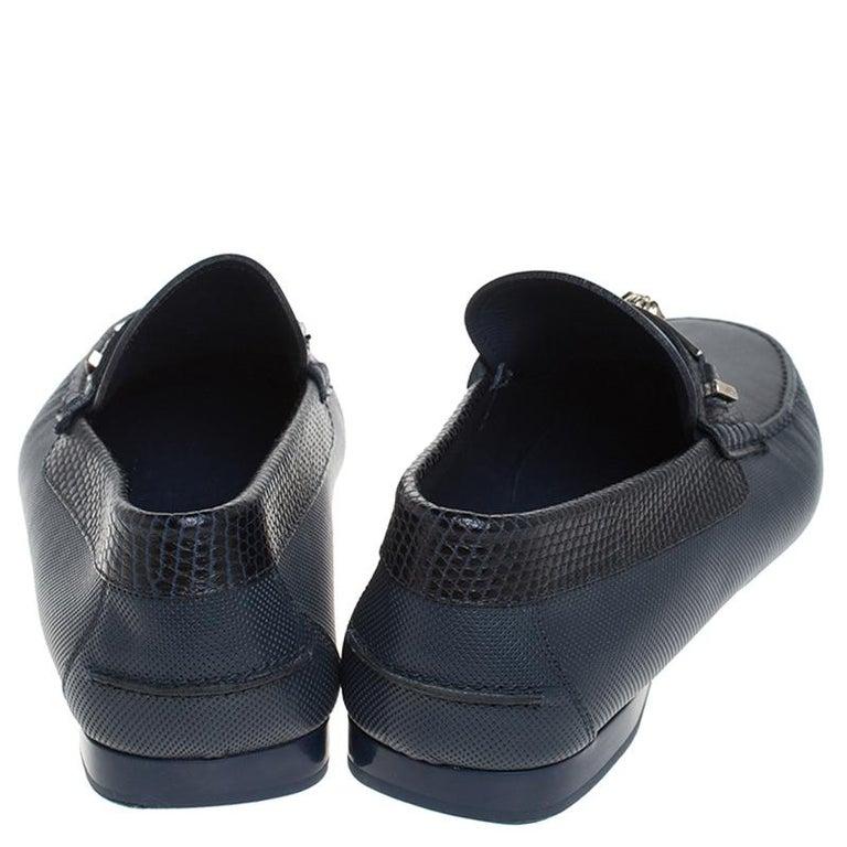 Versace Blue Leather Medusa Detail Slip On Loafers Size 41 In Excellent Condition For Sale In Dubai, Al Qouz 2