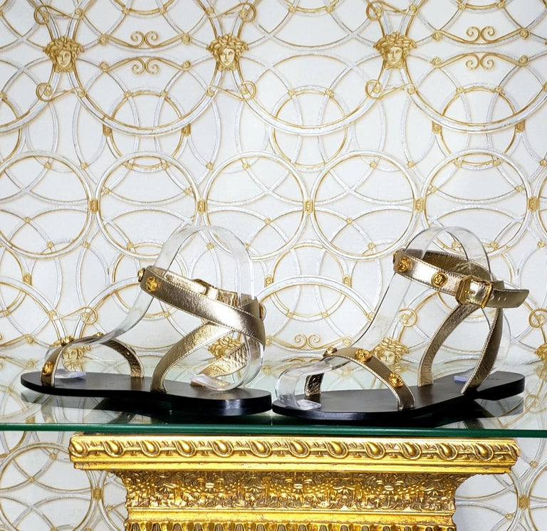 VERSACE GOLD LEATHER FLAT SANDALS with GOLD MEDUSA STUDS 36.5, 37.5, 38, 38.5 In New Condition For Sale In Montgomery, TX