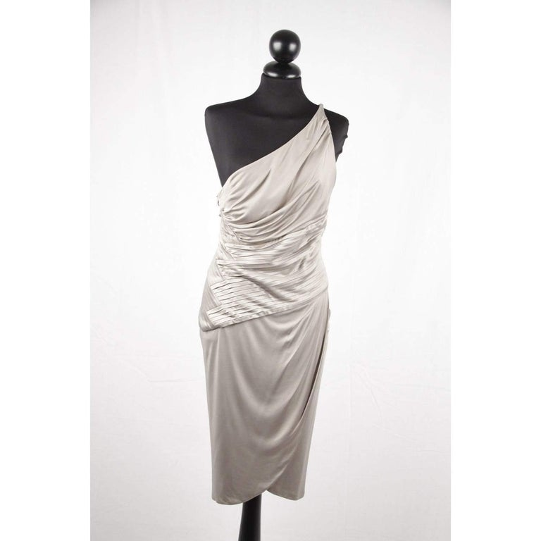 VERSACE Gray Jersey ONE SHOULDER Sheath DRESS w/ Pleating SIZE 42 In Excellent Condition For Sale In Rome, Rome