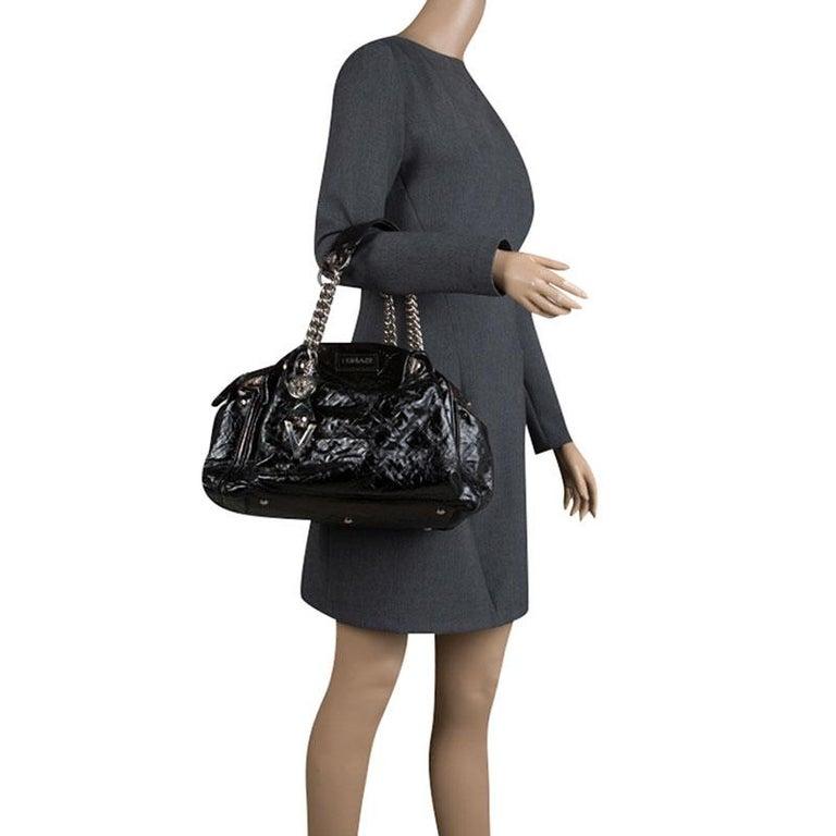 Versace Holographic Black Textured Patent Leather Satchel In Good Condition For Sale In Dubai, Al Qouz 2