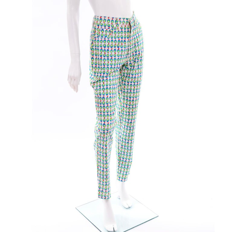 Versace Jeans Couture 90s Vintage Green Blue Red & White Abstract Circles Olives In Excellent Condition For Sale In Portland, OR