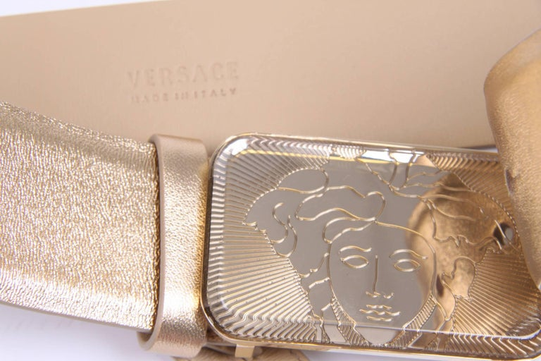 Versace Leather Belt - gold In New Condition For Sale In Baarn, NL