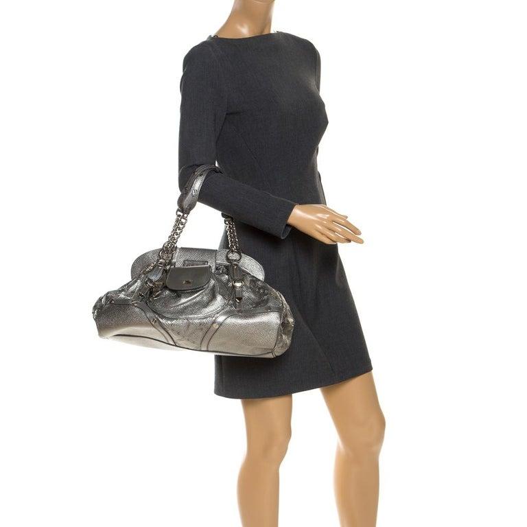 Versace Metallic Silver Leather Chain Link Satchel In Good Condition For Sale In Dubai, Al Qouz 2