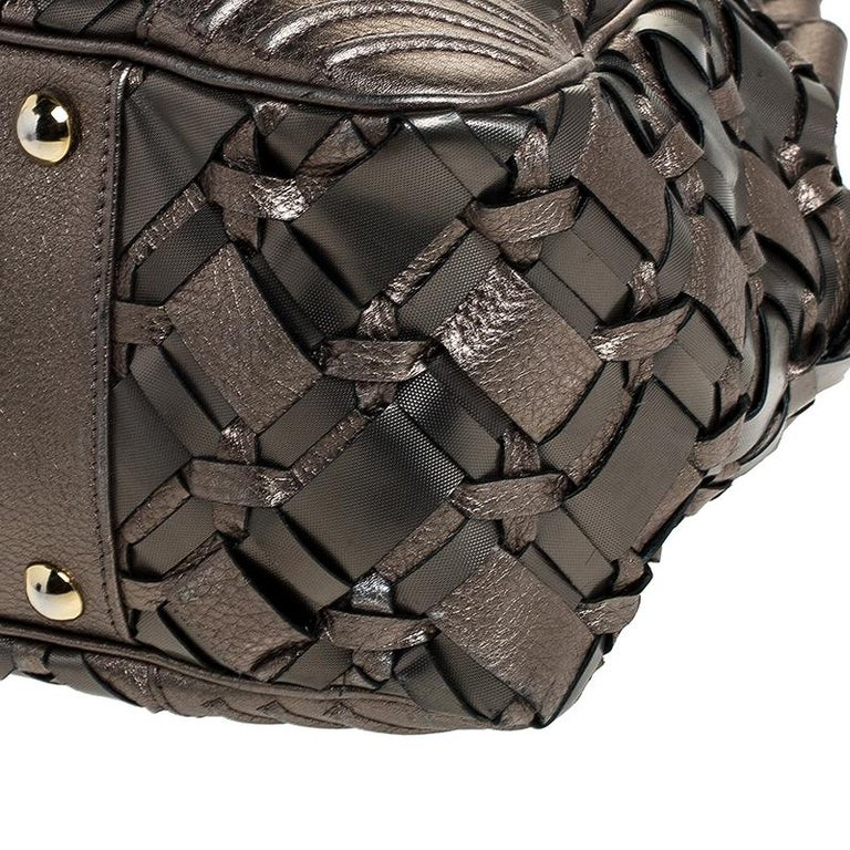 Versace Nickel Olive Woven PVC and Leather Chain Shoulder Bag For Sale 3
