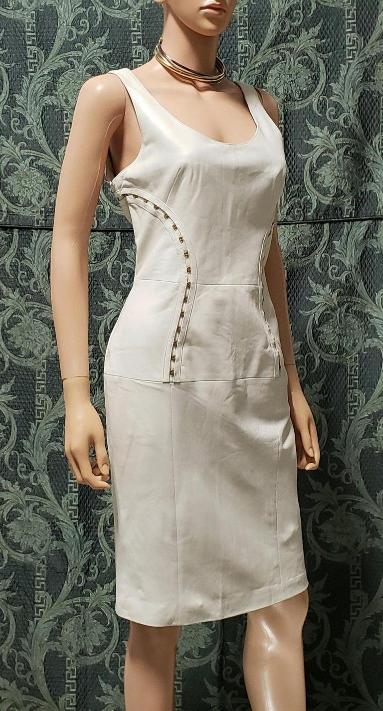 VERSACE OFF WHITE METAL HARDWARE EMBELLISHED LEATHER Dress 44 - 10 For Sale 1