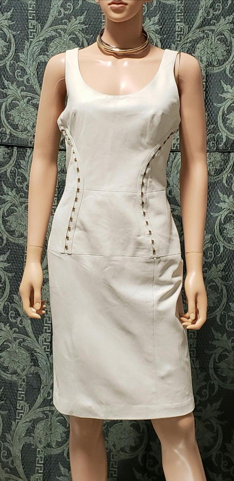 VERSACE OFF WHITE METAL HARDWARE EMBELLISHED LEATHER Dress 44 - 10 For Sale 2