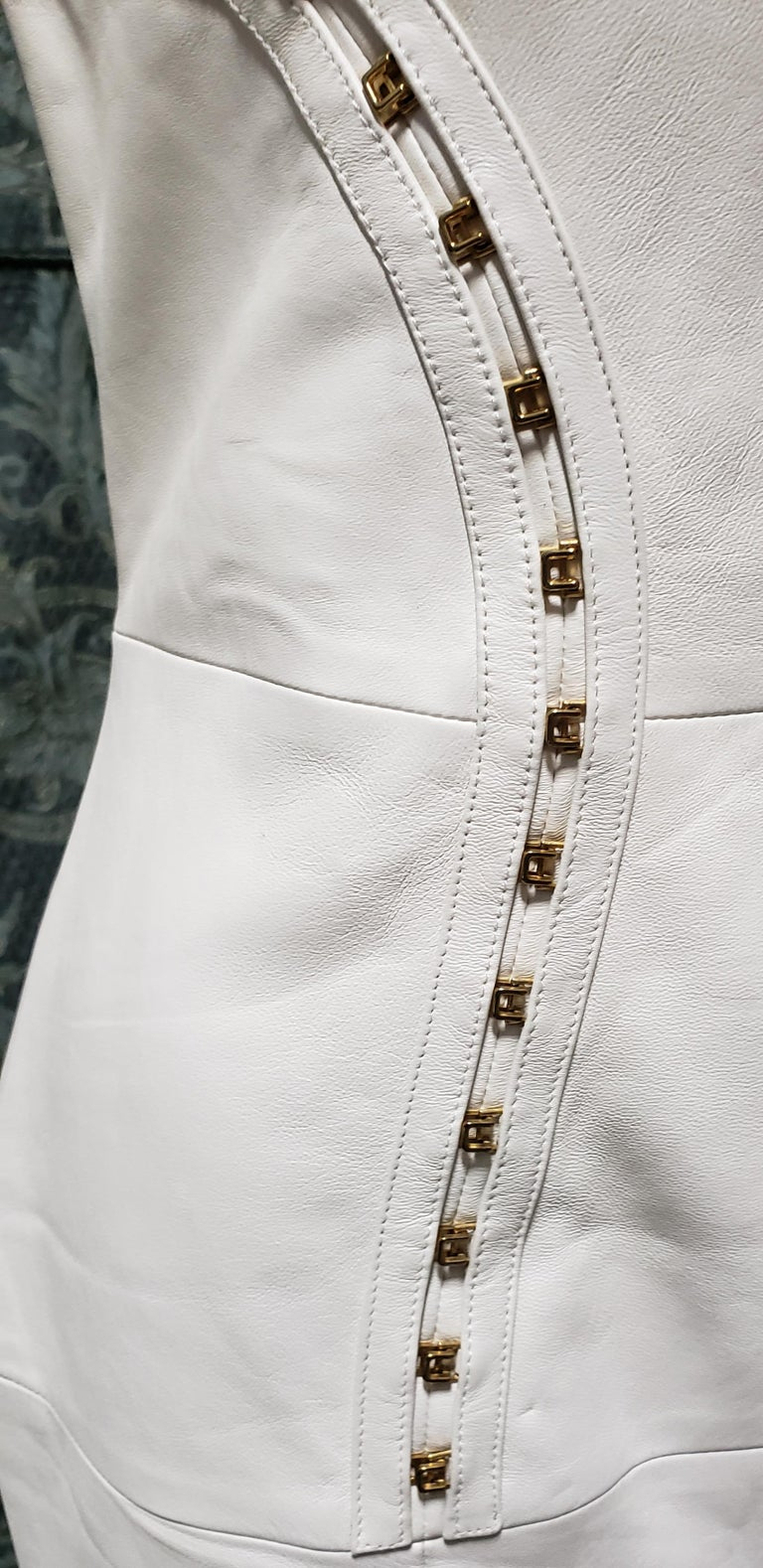 VERSACE OFF WHITE METAL HARDWARE EMBELLISHED LEATHER Dress 44 - 10 For Sale 3
