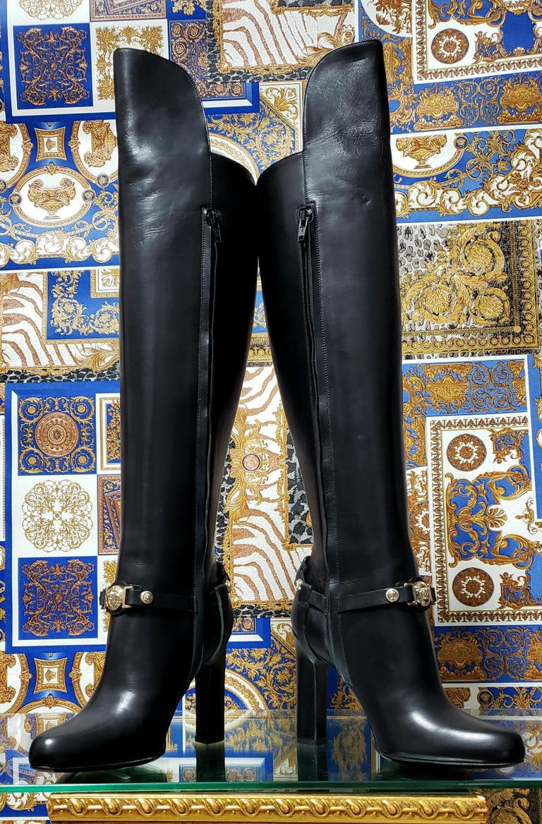 VERSACE OVER-THE-KNEE BLACK LEATHER HORSE RIDING STYLE Boots w/HIGH HEELS 35 - 5 For Sale 1
