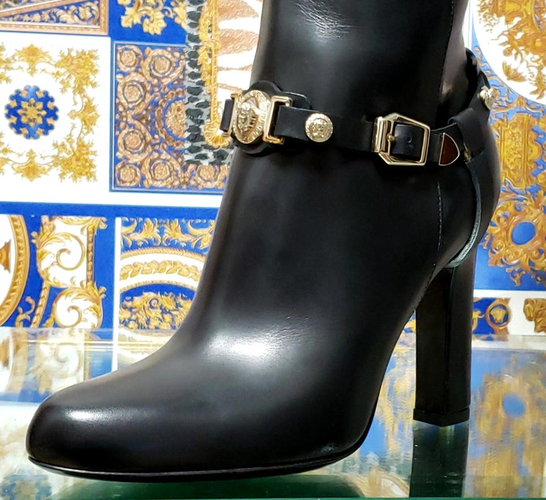 VERSACE OVER-THE-KNEE BLACK LEATHER HORSE RIDING STYLE Boots w/HIGH HEELS 35 - 5 For Sale 5