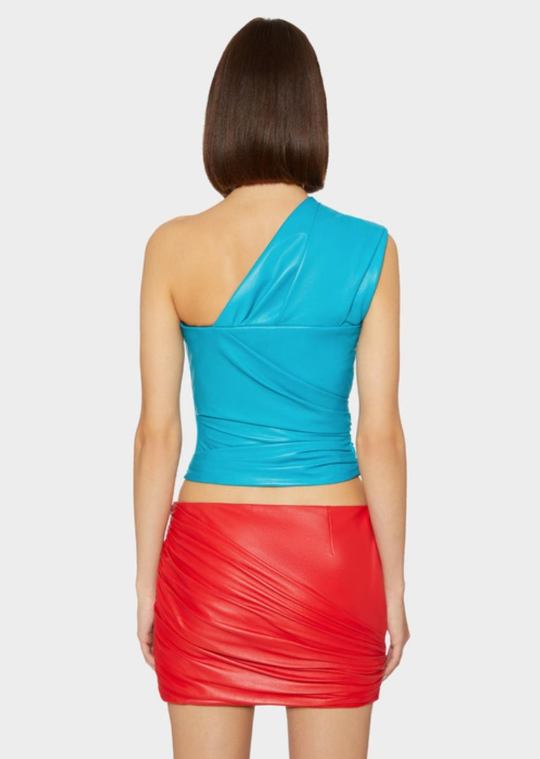 Versace Red Leather Asymmetrical Ruched Mini Skirt Size 40 For Sale 2