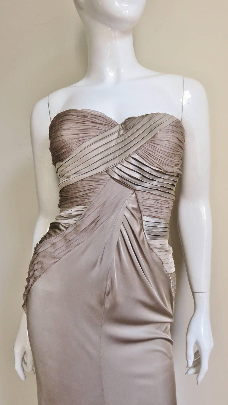 Versace Silk Geometric Strapless Gown In Excellent Condition For Sale In Water Mill, NY