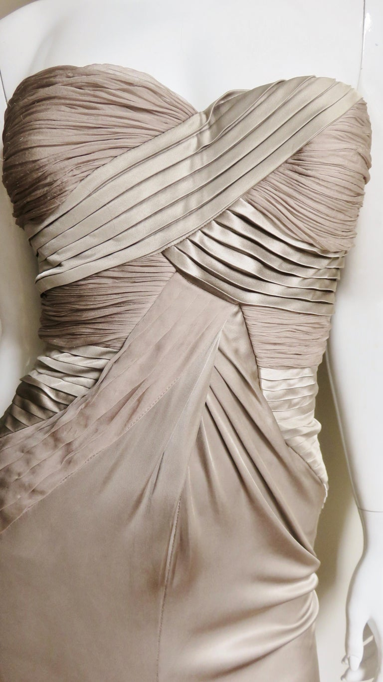 Women's Versace Silk Geometric Strapless Gown For Sale