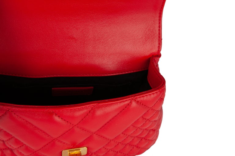 Versace Small Red Quilted Leather Icon Shoulder Bag with Gold Tone Chain For Sale 1