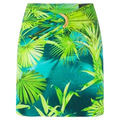 Versace Spring 2020 Verde Jungle Print Logo Ring Fitted Mini Skirt Size 38