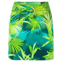 Versace Spring 2020 Verde Jungle Print Logo Ring Fitted Mini Skirt Size 40