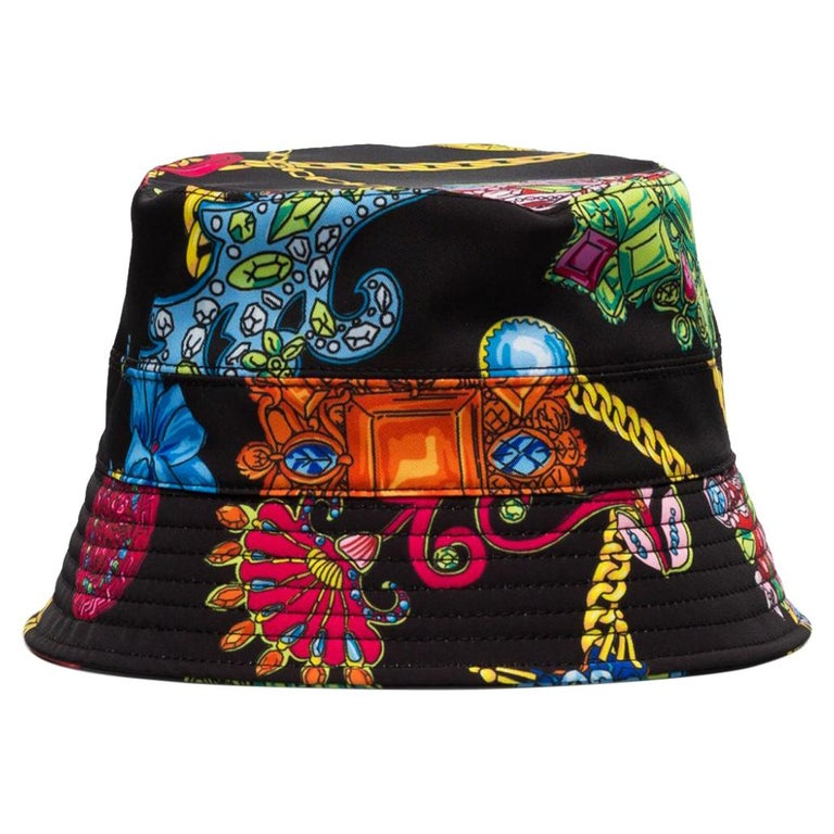 "Versace Unisex ""Gioelleria Vetés"" Jewel Print Multicolor Bucket Hat Size 58 For Sale"