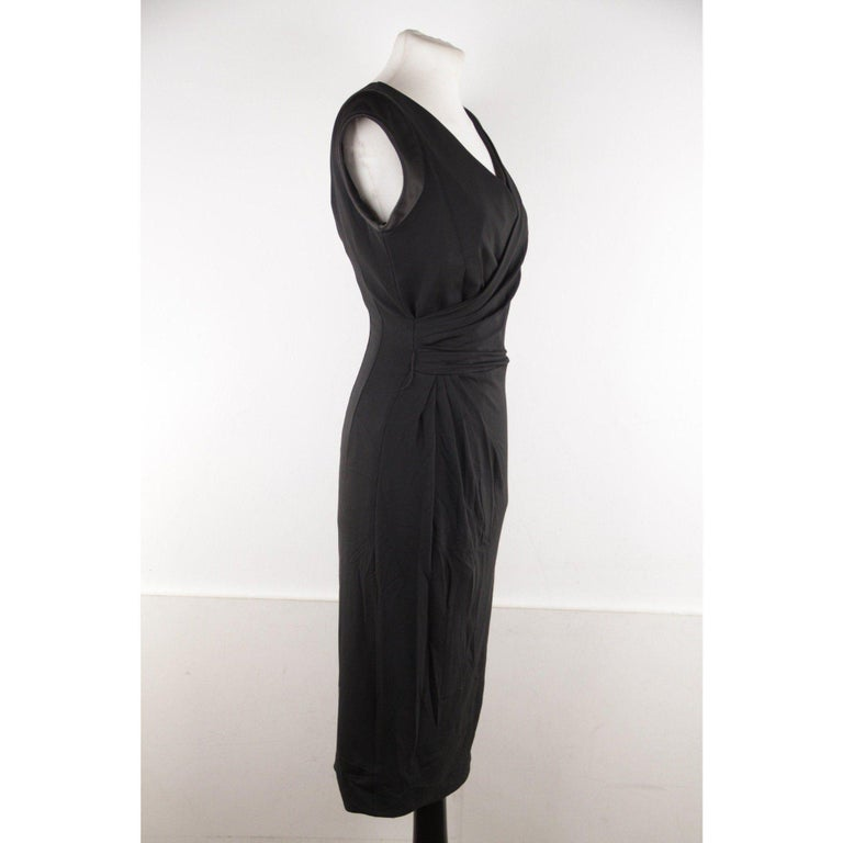 VERSACE V Neck LITTLE BLACK DRESS Sheath w/ Drape Front SIZE 40 In Excellent Condition For Sale In Rome, Rome
