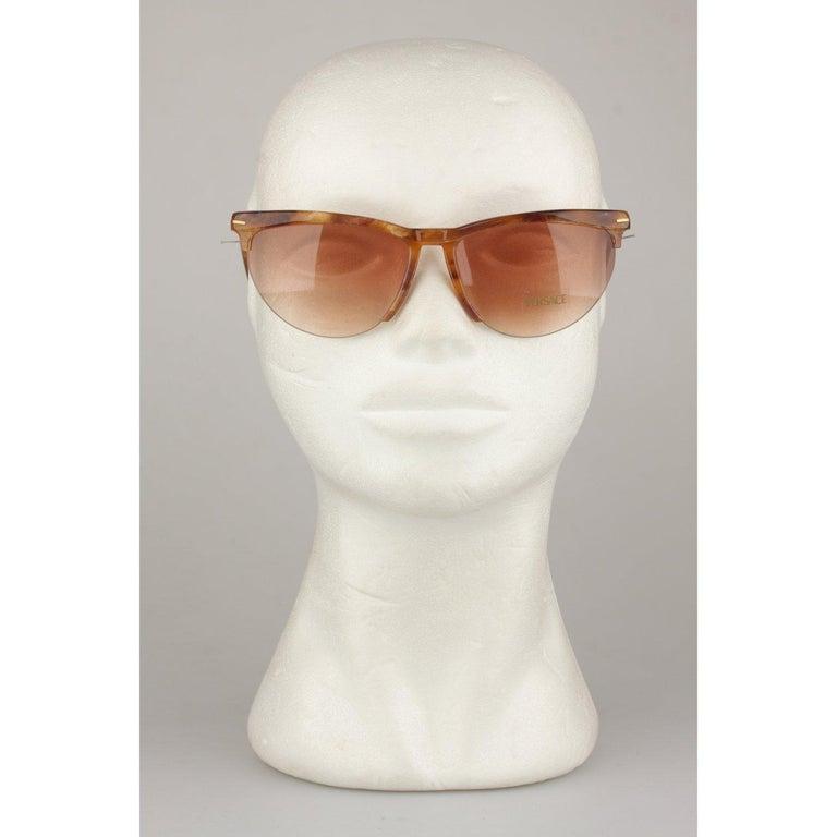 Versace Vintage Cat-Eye Sunglasses 391 Col 928 60mm For Sale 5