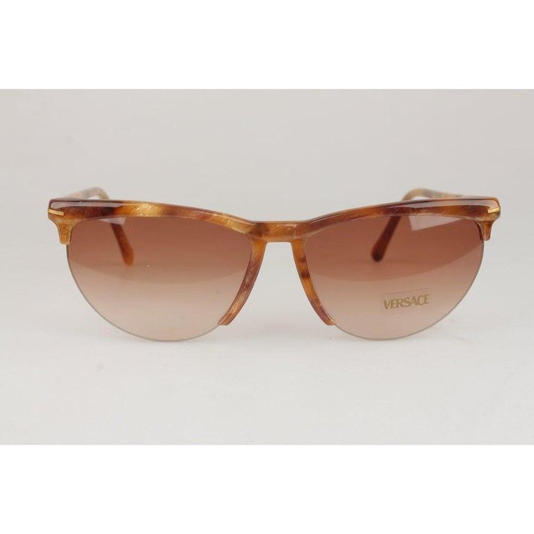 Versace Vintage Cat-Eye Sunglasses 391 Col 928 60mm For Sale 6