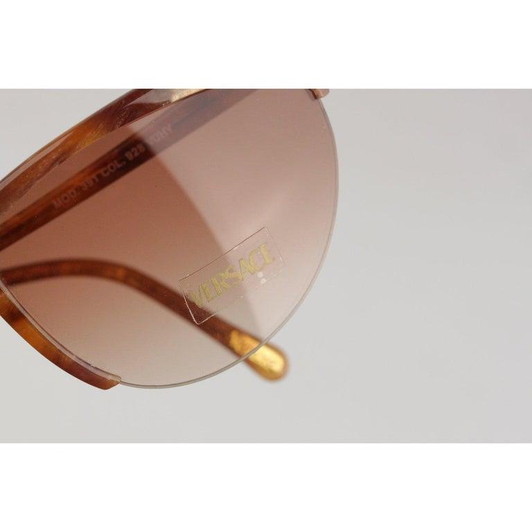 Versace Vintage Cat-Eye Sunglasses 391 Col 928 60mm For Sale 4